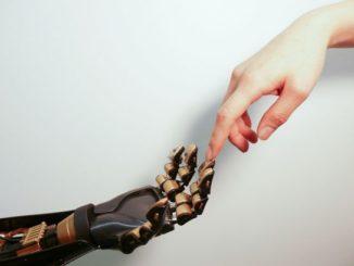 robot romance mind reading