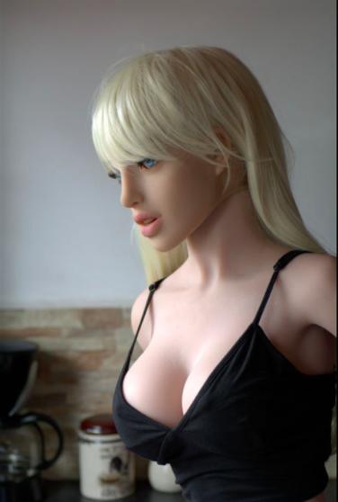 sex robot photo
